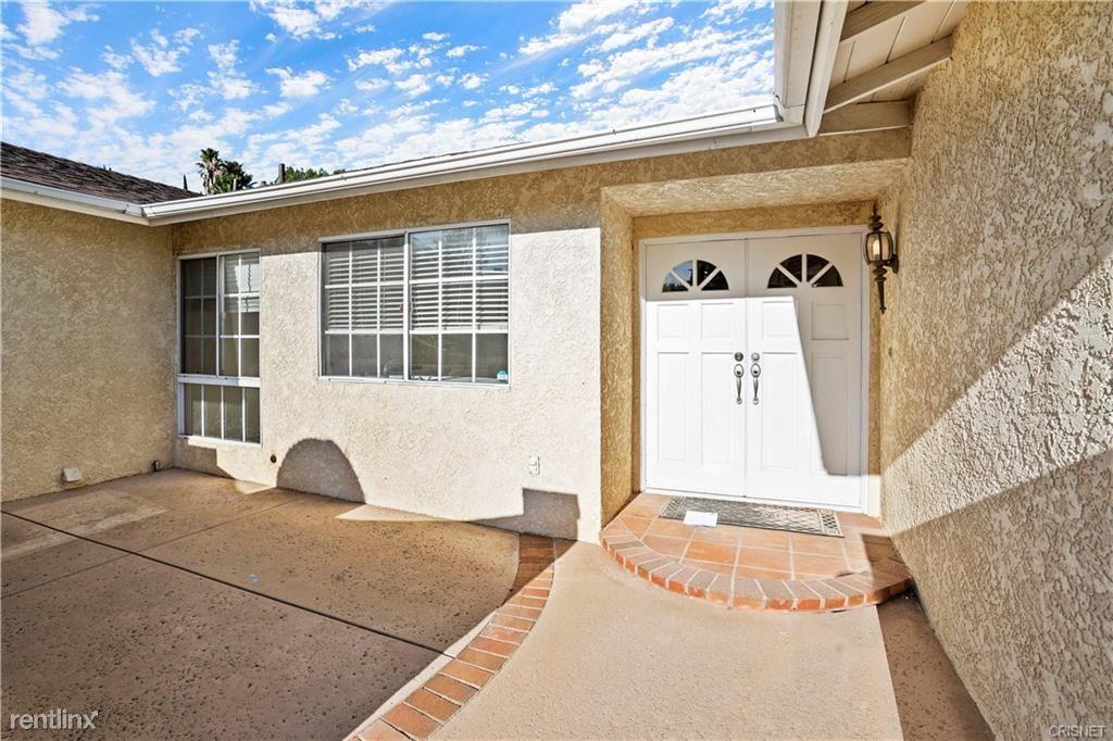 11708 Babbitt Ave, Granada Hills, CA - $3,500