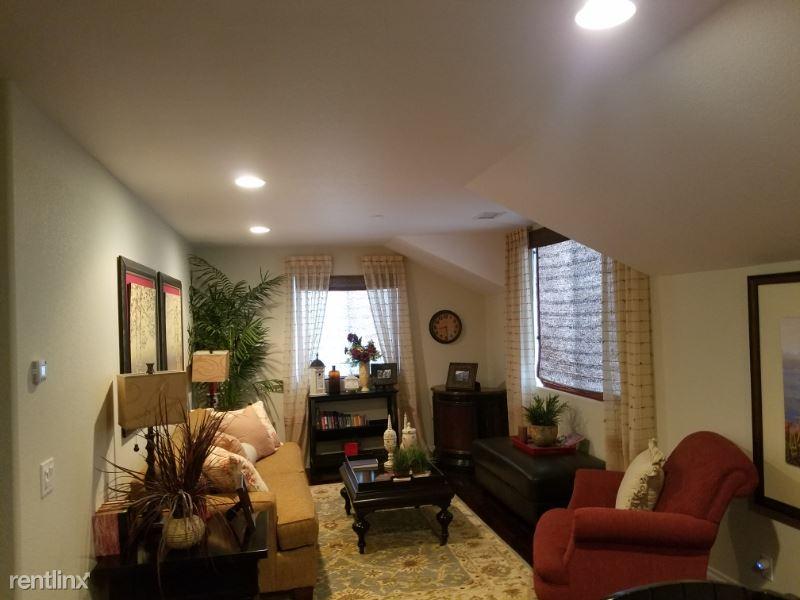 29050 Rancho Valencia Street, Valley Center, CA - $1,500