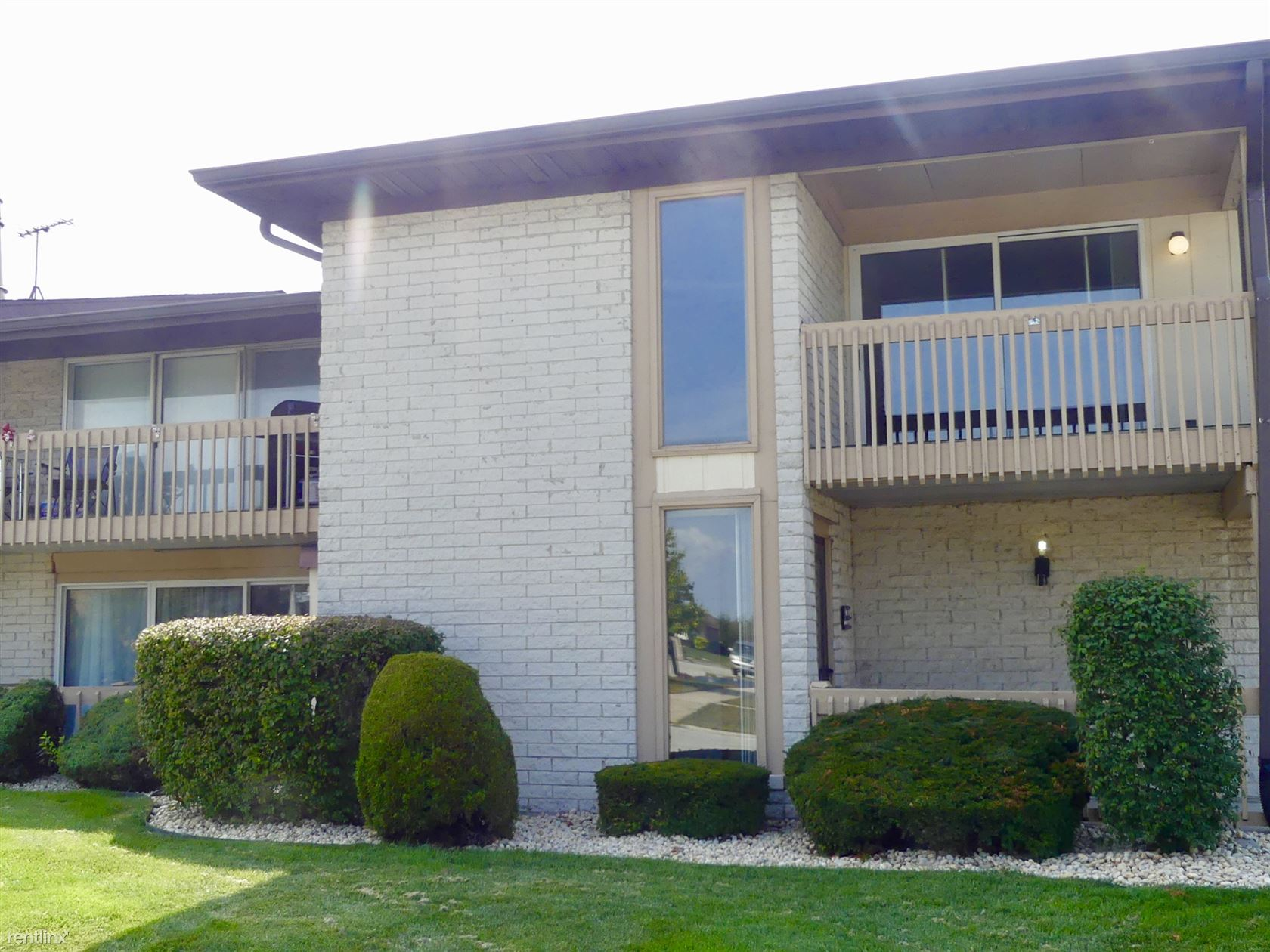 15800 86th Ave, Orland Park, IL - $1,800