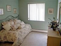 Smaller bedroom of 850/900/1000 and similar size to 500sqft bedroom