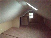 upstairs bedroom 3
