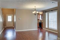1504-Saddle-Lane-dining-1