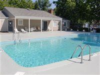 Sparlikng Pool