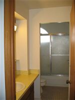 Bathroom (3BR)