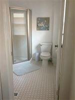 Bathroom 2nd 115 Beakes