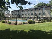holiday pool 1