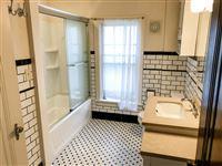 1202 2nd floor full bath (2)