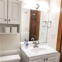 1204 1st floor full bath (2)