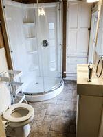 1204 2nd floor full bath