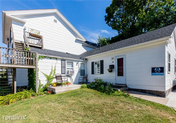118 E Kingsley St, Ann Arbor, MI - Oxford Property Management