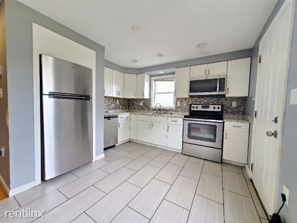 369 Whiton St 1, Jersey City, NJ