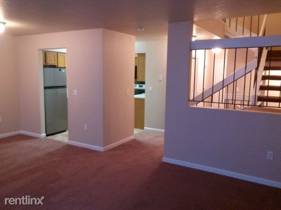3 bedroom home Living Area. Roosevelt Hill  1362 Sherwood   Kalamazoo  MI   Michigan Housing