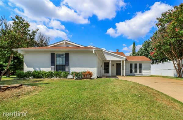 2601 Knoll Trl, Euless, TX