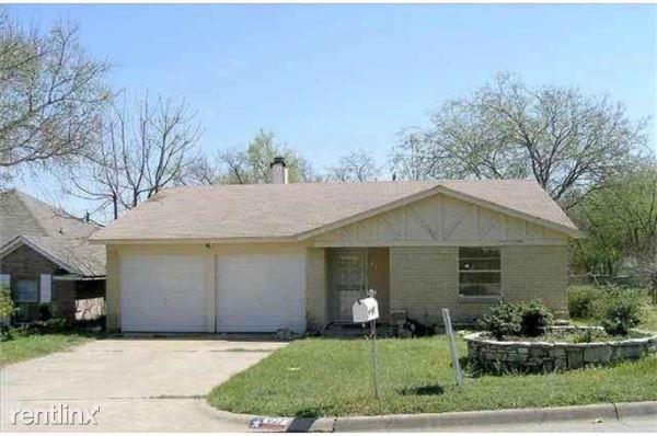 827 Lake View Ridge, Fort Worth, TX