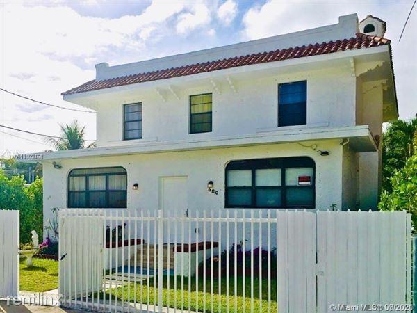 620 NW 10th Ave, Miami, FL