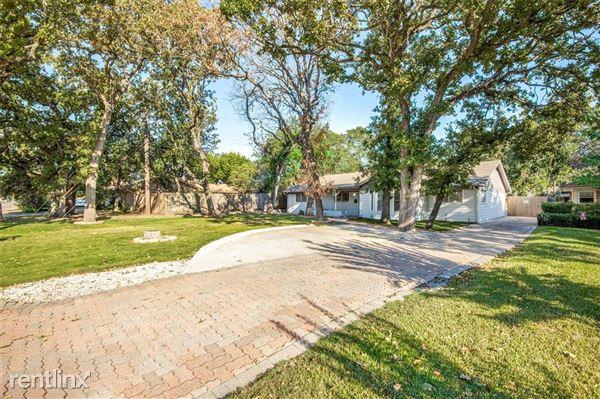1305 W Grauwyler Road, Irving, TX