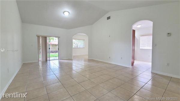 14455 SW 161 Pl, Miami, FL