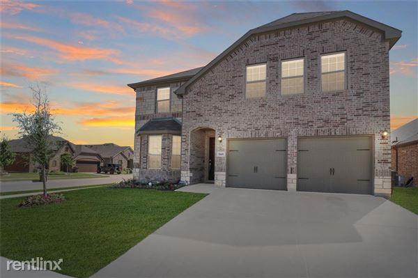 5601 Salt Springs Drive, Fort Worth, TX