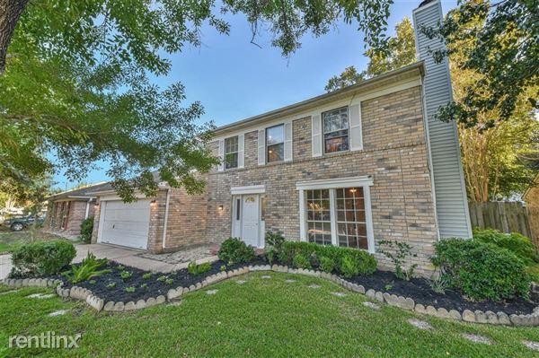 18111 Brooknoll Drive, Houston, TX