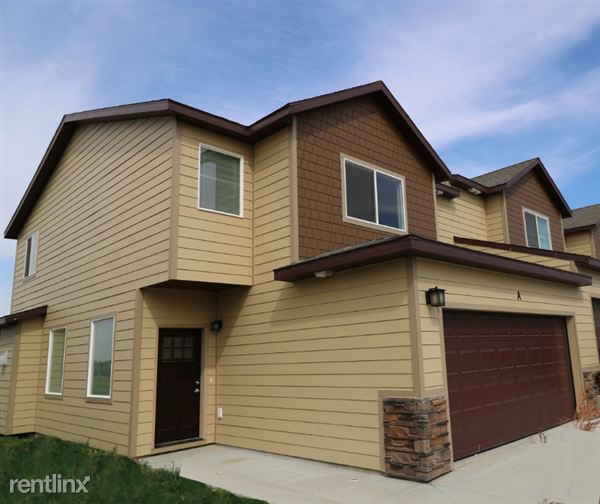 Townhouse for Rent in Williston