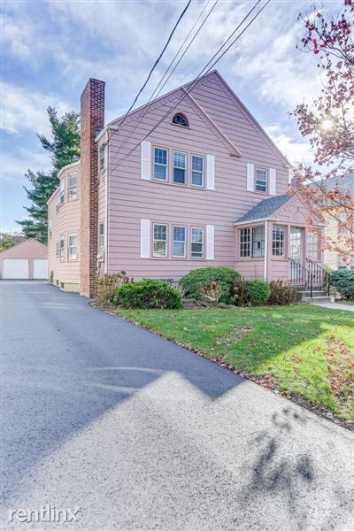 Duplex, Triplex, Quadplex for Rent in West Hartford