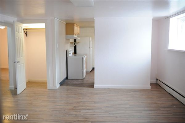 Living room into kitchen, with lots of space!
