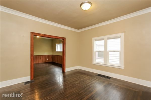 005-Living_Room-2966896-small