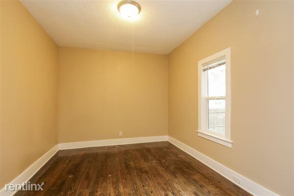 015-Bedroom-2966906-small