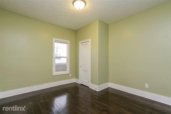016-Bedroom-2966895-small
