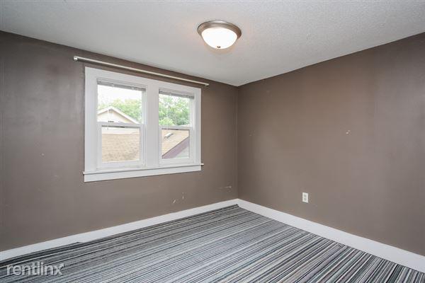 023-Bedroom-2966923-small