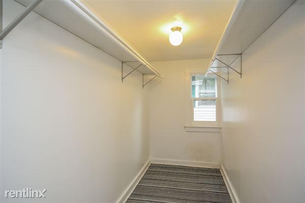 024-Walk_In_Closet-2966921-small