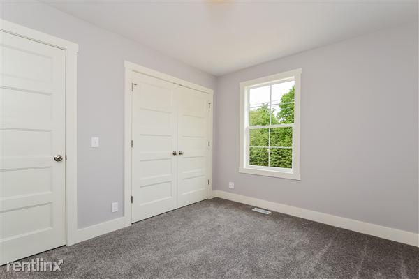 018-Bedroom-2776742-medium