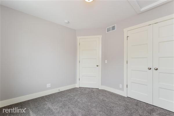 019-Bedroom-2776740-medium