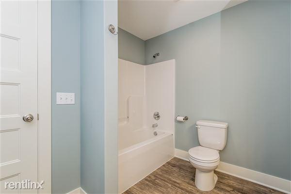 021-Bathroom-2776744-medium