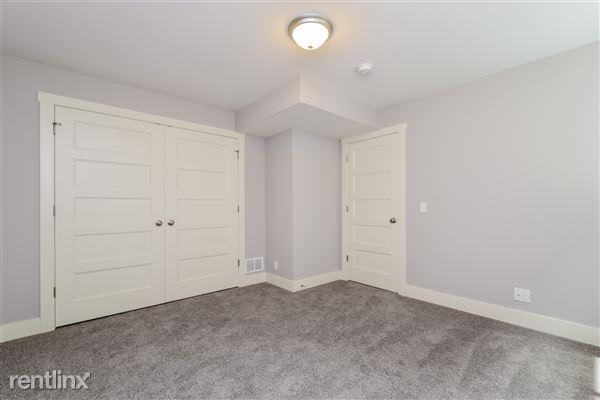 025-Bedroom-2776745-medium