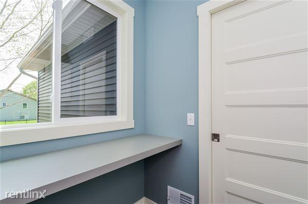 016-Laundry_Room-2779356-medium