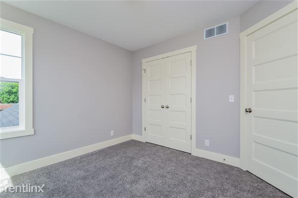 020-Bedroom-2779378-medium