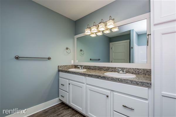 024-Bathroom-2779379-medium