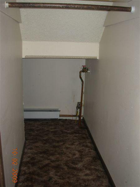 2-3BD understairs storage