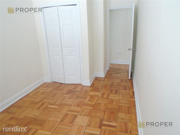 170 Gerry Rd # 1, Chestnut Hill, MA