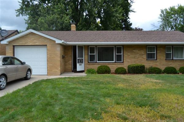 4 Northlawn Ct, Saginaw, MI