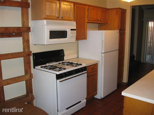 1032 Michigan - Kitchen (view 1 of 2)