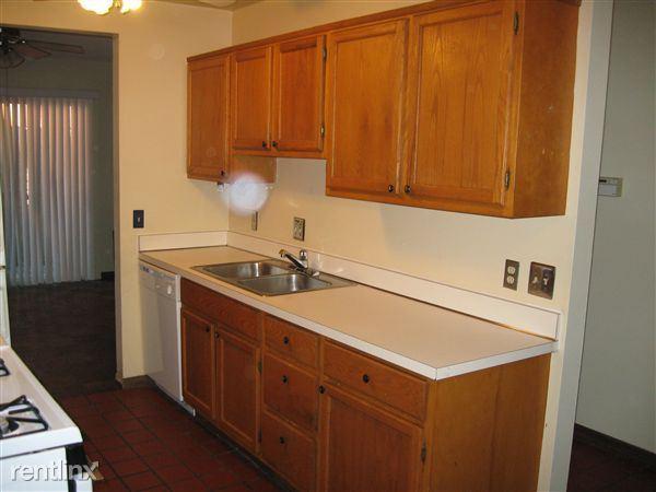 1032 Michigan - Kitchen (view 2 of 2)