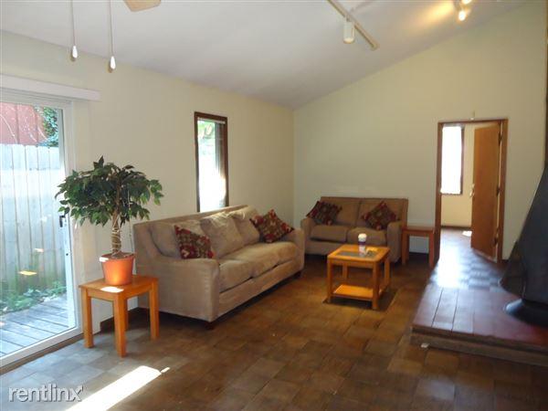 1032 Michigan - Living Room
