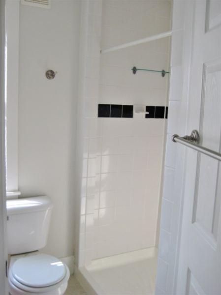 Full Bath #1 (view 1 of 2)