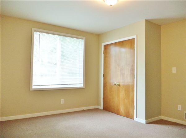 #1 - Bedroom #2 (view 2 of 2)