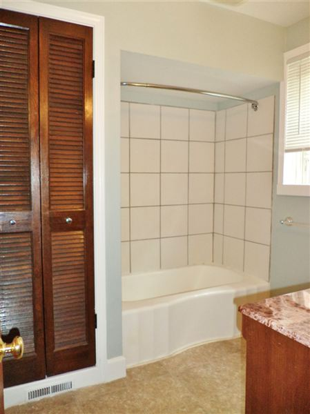 #1 - Full Bath (view 1 of 2)