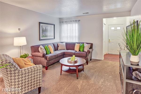 Chase Run Apartments MT Pleasant MI 2 Bedroom Living Room