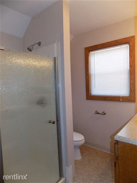Bathroom 2 - Full