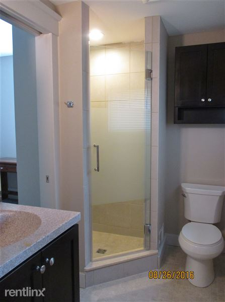 NEW Full Bathroom 1 of 3, off Bedroom 1